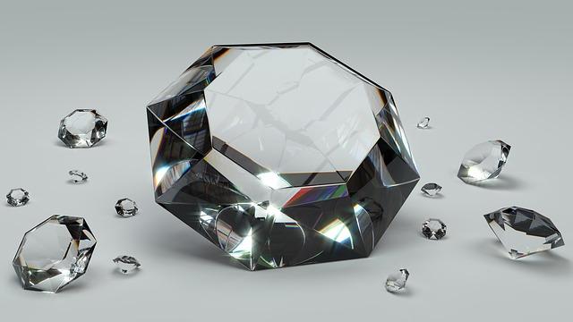 יהלומים מול אבני חן אחרות: למה כדאי לקנות אותם?